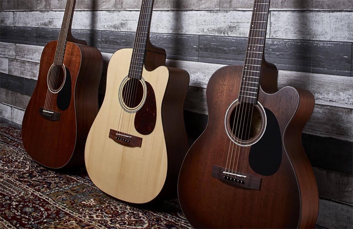 cây đàn guitar cho người tập đánh