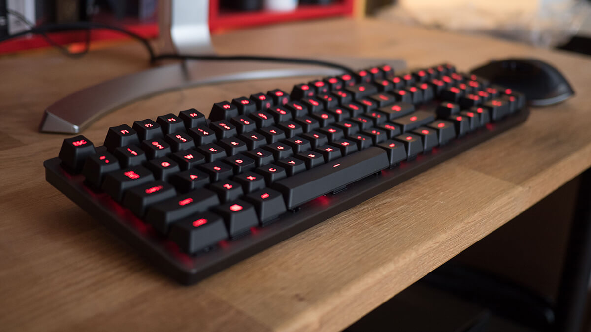 Logitech G413 Carbon: chơi game giá tốt