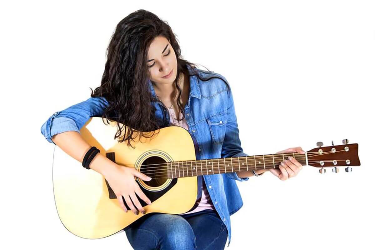 nên mua đàn guitar loại nào