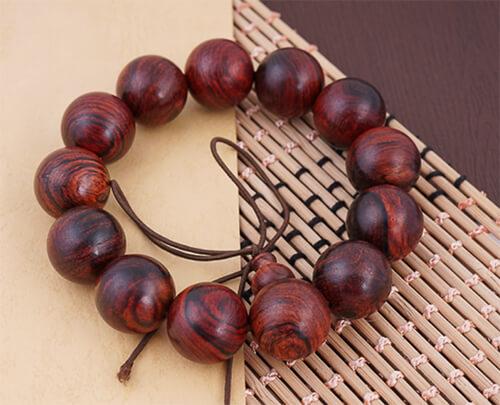 Vòng gỗ sưa đỏ hạt tròn - vòng đeo tay phong thủy mệnh hỏa