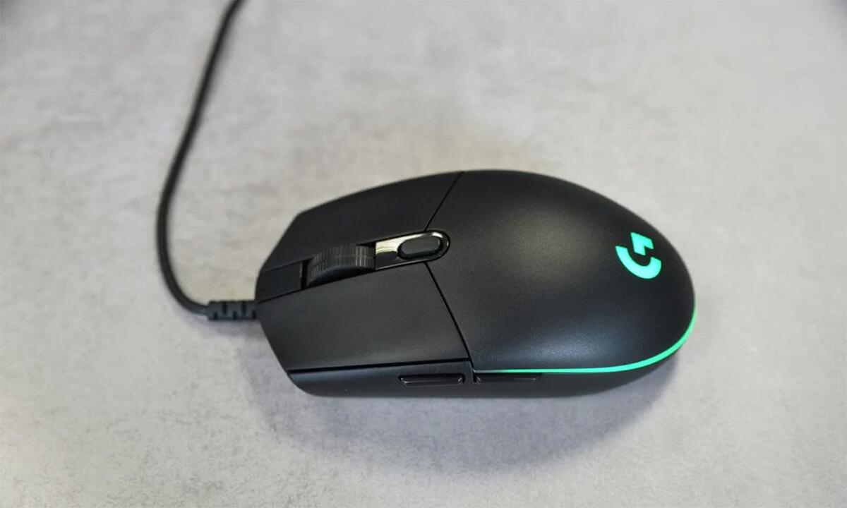 Chọn chuột máy tính cho dân văn phòng loại tia laser hay quang học?
