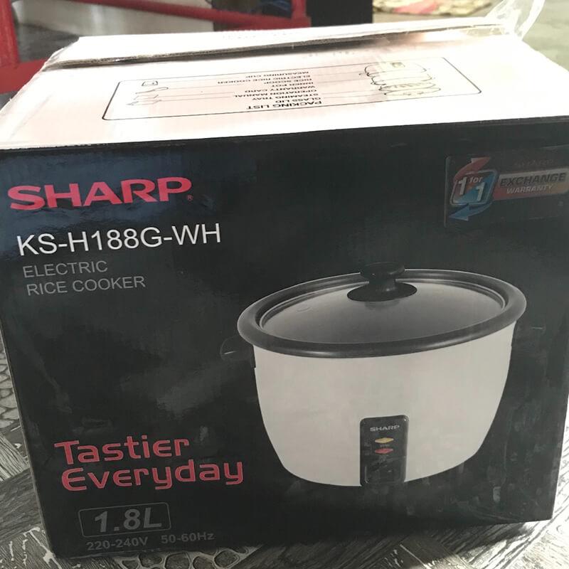 đập hộp nồi cơm của hãng Sharp