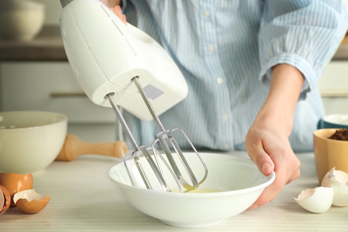 Hand whisk - Máy đánh trứng cầm tay